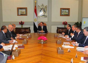 President Sisi meets with CEOs of BP, Rosneft andEni